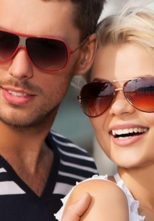 Alege ochelarii de soare perfecți pentru forma feței tale