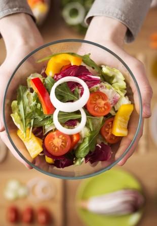 Ia-ți porția de vitamine și minerale dintr-o salată fresh!