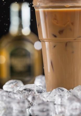 5 idei de cafele reci cu care să îți începi diminețile de vară!