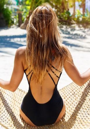 Trucuri simple pentru a-ţi proteja părul vara