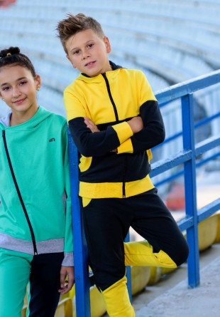 Ținuta săptămânii: Treninguri colorate pentru copii cool